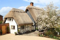 This Idyllic English Cottage Couldn't Be More Charming  - HouseBeautiful.com