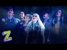 Addison (Meg Donnelly) tries to ask Willa (Chandler Kinney), Wyatt (Pearce Joza), and Wynter (Ariel Martin) questions about werewolves, but the pack keeps in. Zombie Disney, Disney Xd, Disney Love, Disney Facts, Disney Dolls, Disney Channel Original, Disney Channel Shows, Original Movie, Chandler Kinney