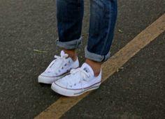 a fashion love affair: Weekend Cool and white Converse