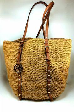 sac en paille, un sac jaune de Michael Kors Crochet Mens Scarf, Crochet Mittens, Couture Cuir, Boho Bags, Crochet Handbags, Tote Pattern, Summer Bags, Cotton Bag, Knitted Bags