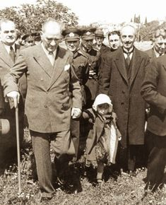 Fotos von Atatürk – MustafaKemâlim – 2020 World Travel Populler Travel Country Bad Boy Style, Men's Style, Turkish Army, The Turk, Great Leaders, World Peace, Historical Pictures, Bad Boys, Style Guides