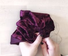 I cut a long rectangular piece of my material. It ended up being about It doesnt really matter how long it is and if you dont Baby Turban Headband, Diy Baby Headbands, Baby Bows, Sewing Headbands, Knotted Headband, Baby Sewing Projects, Sewing Hacks, Boutique Bow Tutorial, Hats For Cancer Patients