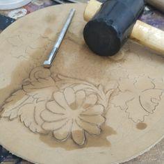 #carwingflower #leathercarving #leathertools #handmadebags #rounbag #circlebag #womenaccessories #labor #work #womenpower How To Make Leather, Leather Carving, Powerful Women, Handmade Bags, Women Accessories, Wings, Etsy, Handmade Handbags, Feathers