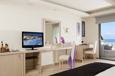 Within the idyllic surroundings of Zakynthos (Zante), amid nature's vibrant green and the calming blue of the sky and the sea, lies the 5 Star Luxury Hotel Lesante Classic. Executive Room, Jacuzzi Outdoor, Stylish Interior, Types Of Rooms, Family Rooms, Greece, Luxury, Classic, Modern