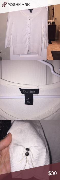 White House Black Market White Cardigan Sz Large Excellent condition. No piling White House Black Market Tops
