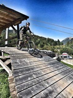 Mountainbiken in Tirol: Zugspitz Arena - The Chill Report Bike Hotel, Austria, Deck, Adventure, Mountains, Outdoor Decor, Zugspitze, Nature, Travel