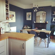 Blue kitchen walls with dark cabinets blue kitchen walls the best dark blue kitchens ideas on . blue kitchen walls with dark cabinets Teal Kitchen Walls, Living Room Kitchen, Kitchen Colors, New Kitchen, Kitchen Decor, Decorating Kitchen, Kitchen Island, Fireplace In Kitchen, Blue Kitchen Ideas
