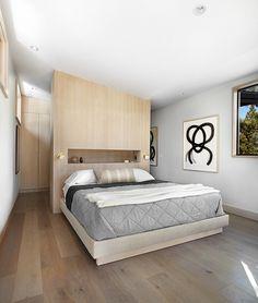 Providing a warm environment to enjoy the natural beauty of Martis Camp in California, Martis-Dunsmuir House is an inspiring contemporary getaway. Bedroom Closet Design, Home Bedroom, Modern Bedroom, Master Bedroom, Master Suite, Bedrooms, Bedroom Simple, Bedroom Rustic, Dunsmuir House