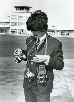 George Harrison, na dúvida é melhor levar 3
