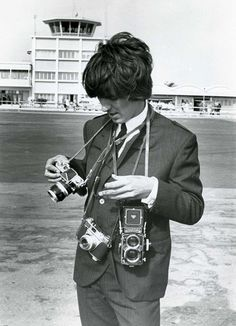 George Harrison. Camera's yeah, yeah, yeah!