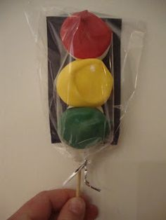 Traffic light marshmallow pops