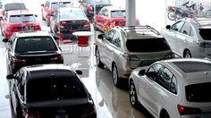YẾU TỐ NÀO TẠO NÊN SỰ SÔI ĐỘNG CỦA THỊ TRƯỜNG XE HƠI VIỆT?  2015 thị trường ô tô Việt Nam có những bước phát triển mạnh mẽ với mức dự đoán tăng trong khoảng 40% so với năm 2015. Ước tính, đến năm 2016, con số tăng tưởng tiếp tục tăng trưởng và đây sẽ là một thị trường đầy tiềm năng để các thương hiệu xe hơi danh tiếng tập trung khai thác. Vậy đâu là yếu tố giúp thị trường xe hơi Việt đạt được những thành tựu nổi bật?