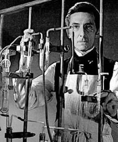 Mad-scientist-laboratory__peter-cushing-umad.com_