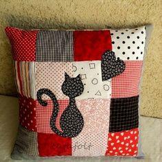 Студия рукоделия «Nostalgie» | Магазин тканей. | ВКонтакте Patchwork Cushion, Patchwork Quilting, Quilted Pillow, Applique Patterns, Quilt Patterns, Sewing Patterns, Sewing Pillows, Diy Pillows, Cushions