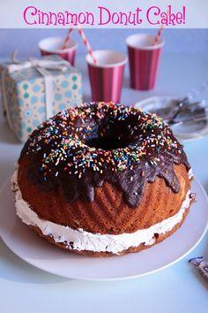 Cinnamon Donut Cake from @Lorraine Elliott #mesadedoces
