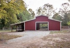 Small Horse Barn Designs | small center aisle horse barns | horse trailer cover | .dream.barn.