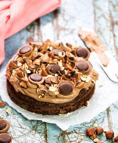 Toffee cake with toffifee Best Dessert Recipes, No Bake Desserts, Cake Recipes, Brownies, Toffee Cake, Bagan, Piece Of Cakes, No Bake Cake, Baking Recipes