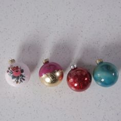 Upgrade inexpensive Upgrade inexpensive glass ornaments with these genius hacks using basic crafts store supplies. Xmas Crafts, Diy Christmas Ornaments, Christmas Balls, Diy Crafts, Christmas Tree, Cork Crafts, Homemade Christmas, Christmas Decorations, Diy Craft Projects