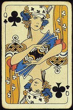 Rainha de Espadas Mental: Julgamento baseado na intuição; Anímico: Proteção dos sentimentos pela percepção intima de suas possíveis consequências. Seu arquétipo é de natureza clara, objetiva e pragmática, separando o objetivo do subjetivo, a Rainha de espadas representa a racionalidade.
