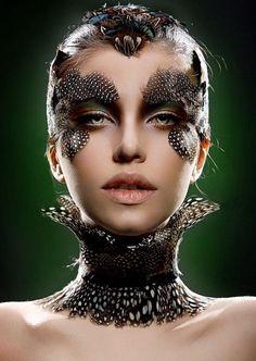 Make-up with feathers. Makeup Inspo, Makeup Inspiration, Beauty Makeup, Makeup Ideas, Bird Makeup, Unicorn Makeup, Art Visage, Fantasy Make Up, Make Up Braut