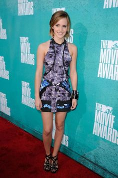 A Look Back at the Best-Dressed Celebs at the MTV Movie Awards -Which brings us to 2012, also known as the year of the Emmas. E-Watson shut it down in a printed frock by Brood.
