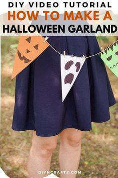 Create an easy paper Halloween hanging garland decoration in just 10-minutes! A perfect budget friendly Halloween decoration! A fun Halloween bunting is a great way to add a cute look to any room. #HalloweenGarland #HalloweenBunting #Halloween #HalloweenDecor #HomeDecor #garland #bunting Halloween Bunting, Paper Halloween, Fun Halloween Crafts, Pet Halloween Costumes, Easy Halloween Decorations, Scary Halloween, Halloween Themes, Garland Decoration, Hanging Garland