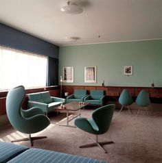 The Swan Chair was designed for the lobby and lounge areas at the Royal Hotel in Copenhagen, in 1958, along with the famousEgg chair.