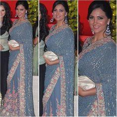 @larabhupathi  Sari - @dollyjstudio  Jewelry - @farahkhanfinejewellery  Clutch - @versace_official  Styled by - @eshaamiin1  #bollywood #style #fashion #beauty #bollywoodstyle #bollywoodfashion #indianfashion #celebstyle #laradutta #dollyjstudio #farahkhan #versace
