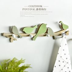 Free Shipping! Pastoral Style Wooden Green Singing Bird Wall Hanger Creative Wall Hook Home Decoration Bird Hook Wall Decor
