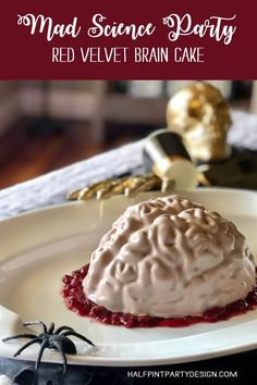 Ready to creep out guests with this Red Velvet Brain Cake? No decorating skills needed. With this easy tutorial anyone can make a photo worthy cake! Red velvet cake with cream cheese frosting, raspberry filling and N Halloween Dessert Table, Halloween Desserts, Halloween Food For Party, Halloween Treats, Halloween 2020, Halloween Kids, Cake With Cream Cheese, Cream Cheese Frosting, Velvet Cake