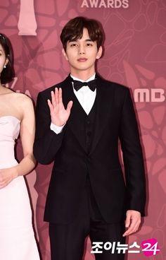 유승호.기사사진) 171230 MBC 연기대상 최우수상 유승호 : 네이버 블로그 Most Handsome Korean Actors, Yoo Seung Ho, Chic, Shabby Chic, Elegant