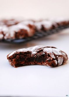 Chocolate Peppermint Crinkle Cookies {Gluten, dairy, egg, peanut, tree nut free; top 8 free; vegan} Dessert recipe by AllergyAwesomeness.com  Crisp edges, soft chocolate center, and refreshing peppermint make a to-die-for Christmas cookie.