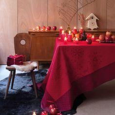 nappe magie d'hiver baies rouges du jacquard français