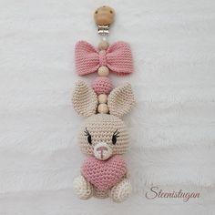 Crochet Baby Toys, Crochet Bunny, Crochet Dolls Free Patterns, Crochet Stitches, Baby Barn, Baby Rattle, Diy Baby, Baby Dolls, Needlework