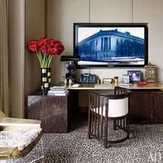 The desk area of the master suite in Giancarlo Giammetti's New York penthouse.