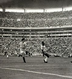 Brazil 3 Romania 2 in 1970 in Guadalajara. Pele scores his 2nd goal on 67 minutes to make it 3-1 in Group 3 at the World Cup Finals.