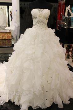 Dresswe.comサプライ品ゴージャスなラインストラップレスのビーズジッパーチャペルの列車のウェディングドレス ウェディングドレス2014