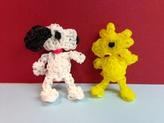 WOODSTOCK Peanuts character Rainbow Loom. SNOOPY tutorial is Now on YouTube! charms Figures. Gomas. Please Subscribe ❤️❤ m.youtube.com/user/LoomingWithCheryl