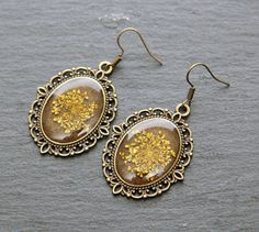 Real Dried Yellow Queen Anne Lace Pressed Flower Resin Earrings Elegant Long Romantic Vintage Gift Nature Botanical jewelry Cameo Handmade