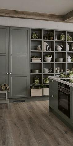 Home Kitchens, Rustic Kitchen, Kitchen Inspirations, Home Room Design, Green Kitchen, Kitchen Interior, Interior Design Kitchen, House Interior, Modern Kitchen Design