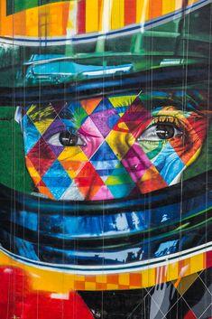 Painel de Eduardo Kobra com o olhar concentrado de Ayrton Senna                                                                                                                                                                                 Mais