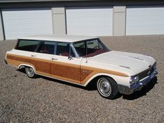 1962 Ford Country Squire Mine had limited-slip differential. Unstoppable in winter.
