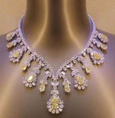 Extraordinary Yellow and White Diamond necklace. Magnificent pieac with Astonishing colour. Diamond Pendant Necklace, Diamond Jewelry, Diamond Necklaces, Pearl Necklace, Pearl Pendant, Diamond Choker, Choker Necklaces, Statement Necklaces, Diamond Rings