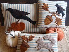 Diy pillows felt wool applique 68 ideas for 2019 Applique Pillows, Wool Applique Patterns, Felt Applique, Felt Crafts, Fabric Crafts, Sewing Crafts, Sewing Projects, Felt Projects, Penny Rugs