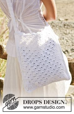 White Honey Comb - Sac au crochet en Bomull-Lin - Free pattern by DROPS Design Crochet Shell Stitch, Bead Crochet, Free Crochet, Crochet Summer, Crochet Granny, Knitting Patterns Free, Free Knitting, Crochet Patterns, Finger Knitting