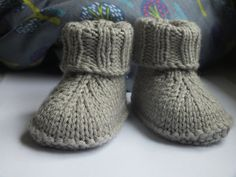 Baby-Hausschuhe (English) The Effective Pictures We Offer You About babysocken stricken fuchs A qual Baby Knitting Patterns, Baby Booties Knitting Pattern, Crochet Baby Boots, Knit Baby Booties, Baby Patterns, Knit Crochet, Crochet Patterns, Baby Boots Pattern, Baby Slippers