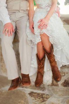 Noivos em casamento country