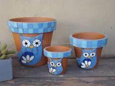 mosaico jardin - Buscar con Google Owl Mosaic, Mosaic Birds, Mosaic Planters, Mosaic Flower Pots, Painted Plant Pots, Painted Flower Pots, Flower Pot Crafts, Clay Pot Crafts, Mosaic Crafts