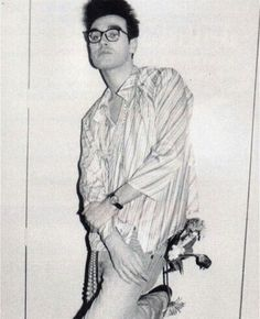 Mozzer with glasses