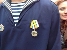 "Lots of these on display in Sevastopol. Medals ""for the return of Crimea"" pic.twitter.com/UGsnQpZVKB"